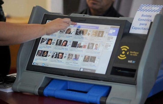 5-9-voto-electronico-maquina-640x407